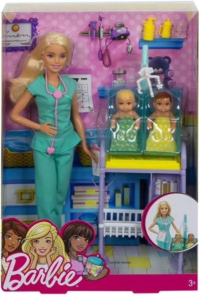 Mattel DVG10 - Barbie - Kinderärztin Puppe (blond) und Spielset